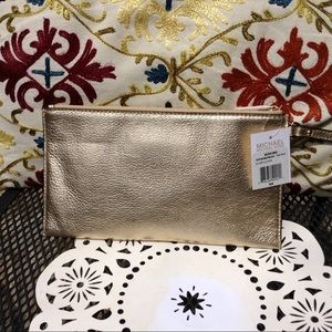 Michael Kors Bags - Michael Kors Bedford LG Zip Clutch